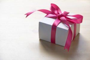 リボンつきのプレゼント