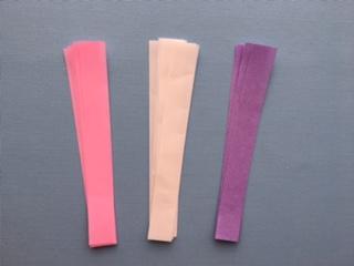 折り紙を短冊状に切る