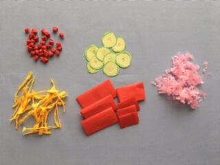 折り紙で作ったちらし寿司の具材