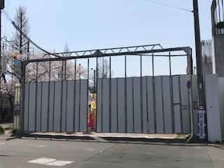 柴島浄水場の桜並木の通り抜けの屋台オープン前